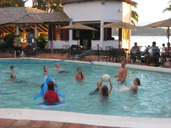 Windjammer Landing Villa Beach Resort: Pool volleyball aka. kids volleyball