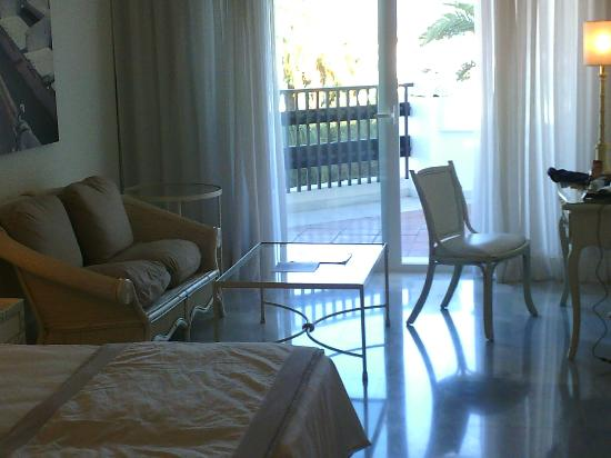 IBEROSTAR Marbella Coral Beach: Room - facing pool
