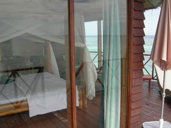 ธัลฮากีรี ไอส์แลนด์ รีสอร์ท แอนด์ สปา มัลดีฟส์: la chambre depuis la terrasse