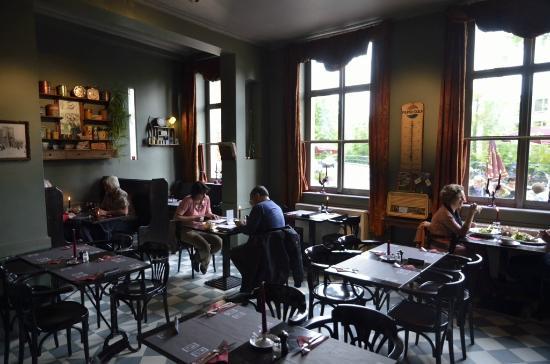 Eetkaffee Multatuli: Restaurant downstairs
