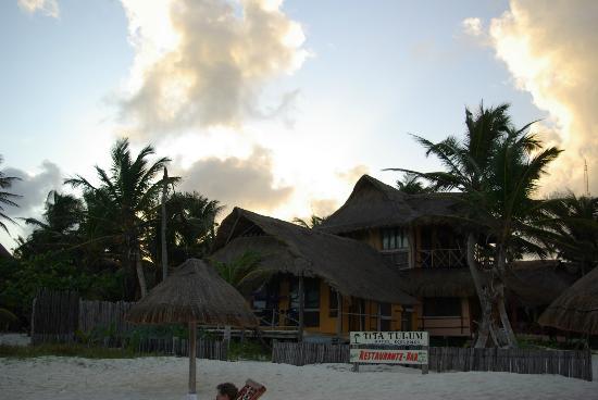 Tita Tulum Hotel Ecologico : l'hotel dalla spiaggia