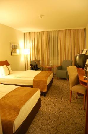 Leonardo Hotel Heidelberg: our standard room