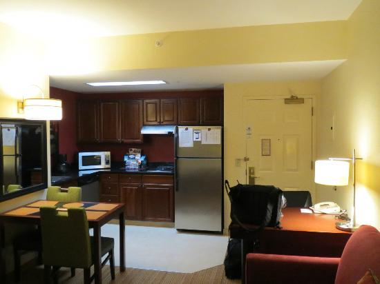 Residence Inn Beverly Hills: Room 517