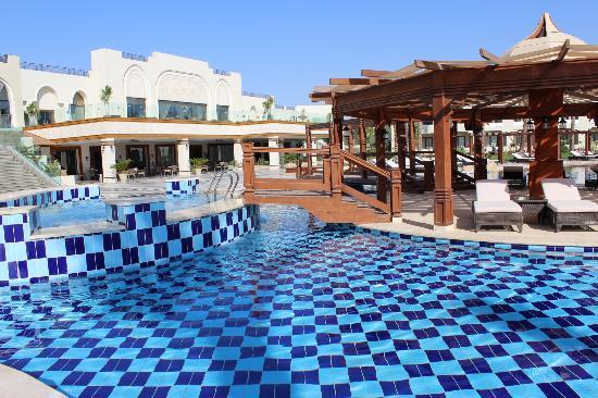 dinning picture of sunrise grand select arabian beach resort sharm el sheikh tripadvisor. Black Bedroom Furniture Sets. Home Design Ideas