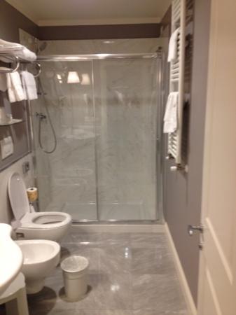 Hotel Rapallo: banheiro super limpo.