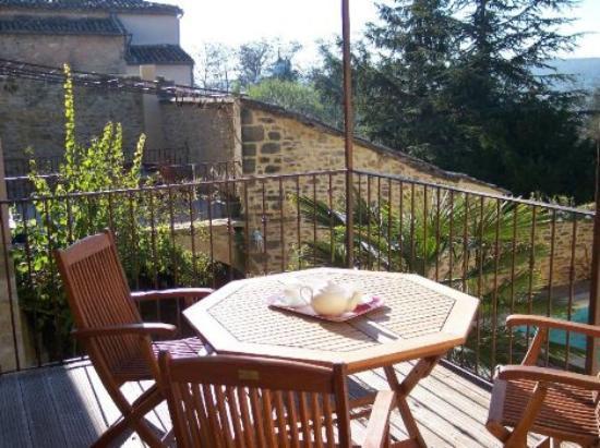 Lamaison-Uzes : terrasses gites