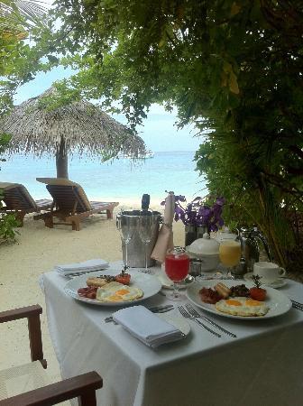Baros Maldives: Anniversary Breakfast