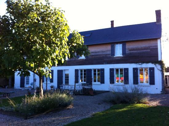 Le Presbytere : facade jardin