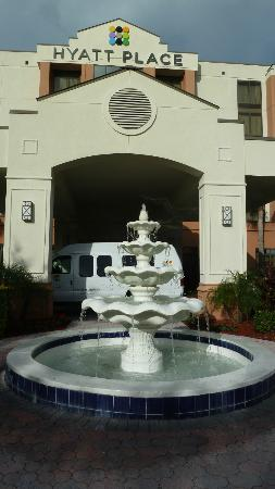 Hyatt Place Tampa Airport/Westshore: front entrance