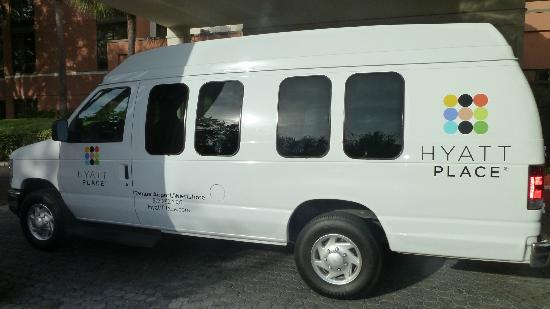 Hyatt Place Tampa Airport/Westshore: hotel shuttle parked in front entrance