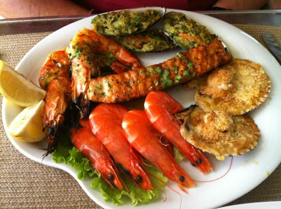 Gale, Portugal: Seafood platter - and this is just for one!