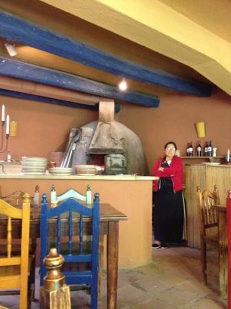 Arbol de Montalvo Restaurant: horno de leña.