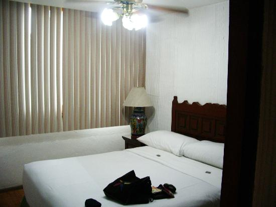 Amberes Suites: One of the bedrooms