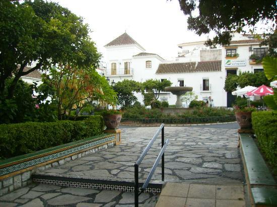 Hostal El Pilar: Plaza de las Flores