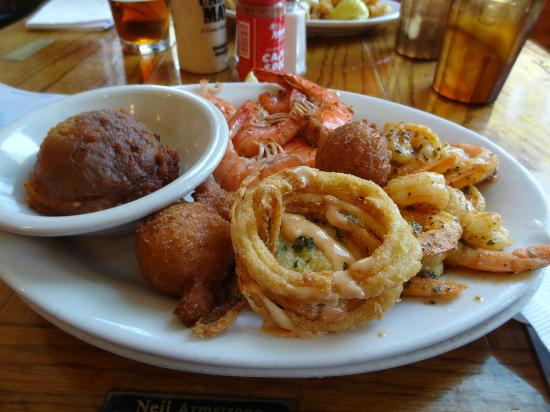 Hyman's Seafood: Decent portions!