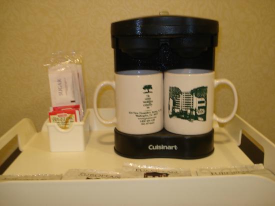 University Inn Washington DC: Coffee machine