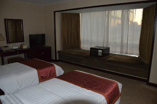 Rainbow Hotel: room