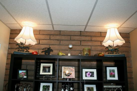 The Pony Expresso : Our horse lamps are up!