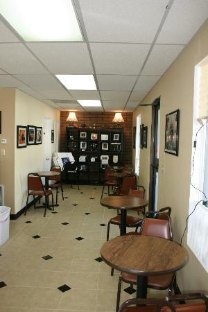The Pony Expresso : The gallery/seating area