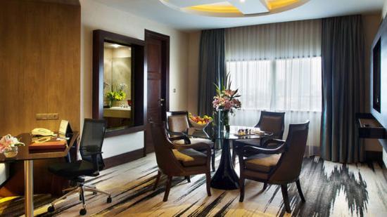 แกรนด์ เมเลีย จาร์กาตา: Normal CGran Melia Jakarta Deluxe Suite Room