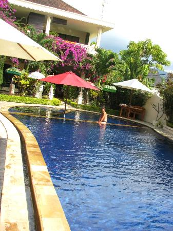 Bali Paradise Hotel Boutique Resort: Piscine