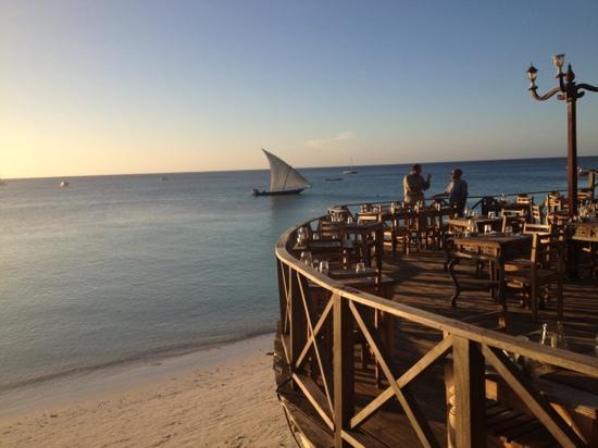 LangiLangi Beach Bungalows Cafe: restaurant view