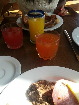 CasaMagna Marriott Cancun Resort: Breakfast Buffet