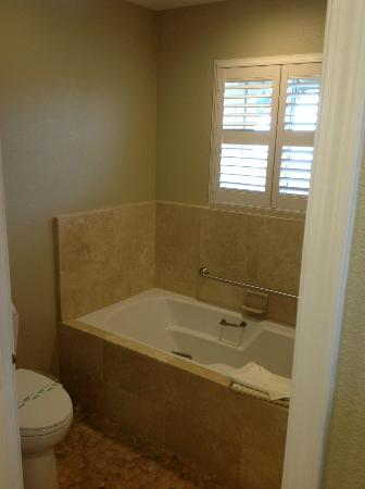 Cambria Shores Inn: Room 25