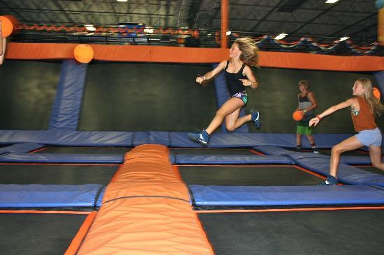 sky zone trampoline park san diego