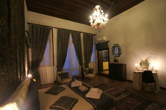 La Porta D'Oriente B&B: Bedroom