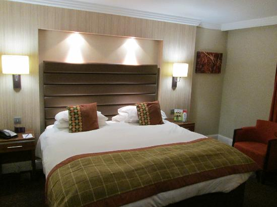 The Westerwood Hotel & Golf Resort - A QHotel: Bed