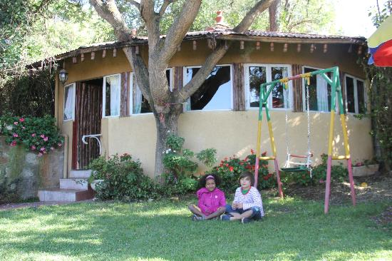 Biruk B&B Addis Abeba: Garten mit Reception