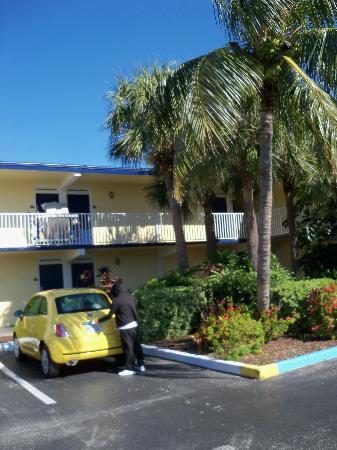 데이즈 인 코코아비치 플로리다 사진