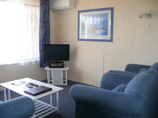 Sandpiper Holiday Units: FOX-TEL 53 Channels and Air Con