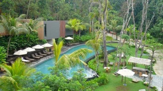 Siloso beach resort sentosa 186 2 5 7 2018 prices - Siloso beach resort swimming pool ...