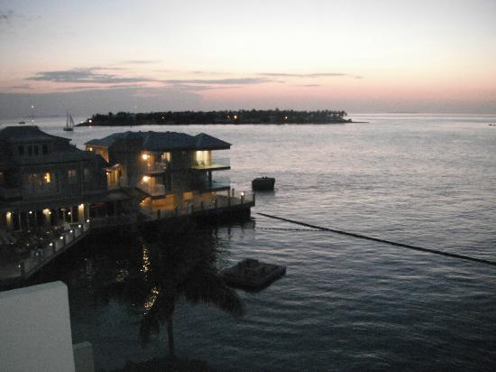 Pier House Resort & Spa: Nite setting in from deck