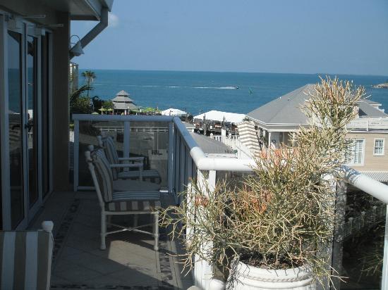 Pier House Resort & Spa: Deck view 