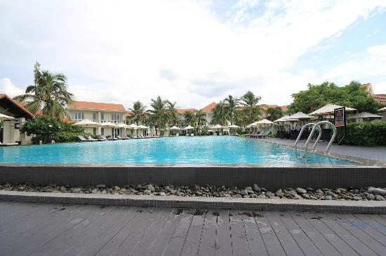 Boutique hoi an resort pool picture of boutique hoi an for Best boutique hotels hoi an