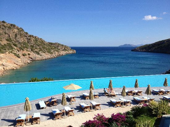 Daios Cove Luxury Resort & Villas: View of the pool and the sea