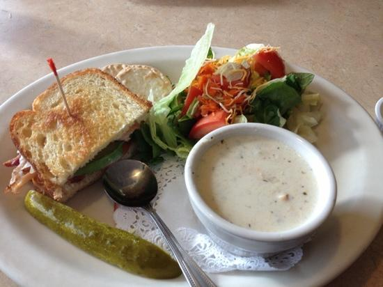 The Egg & I: triple play clam chowder Arizona
