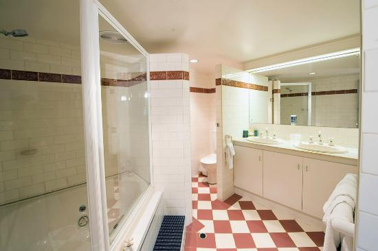 Hotel Victor: Bathroom Executive