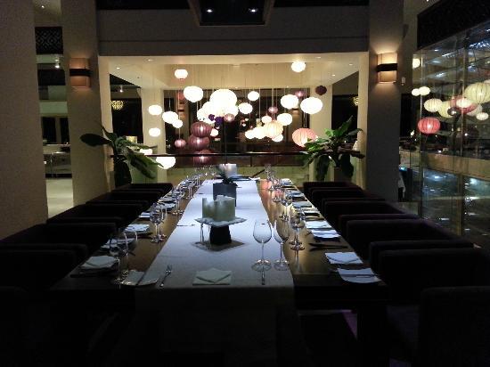 Fusion Maia Da Nang: Blick abends in den Speisesaal