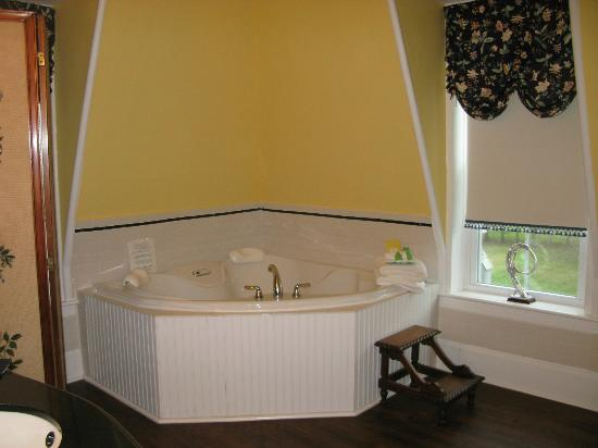 Inn Victoria: tub for two