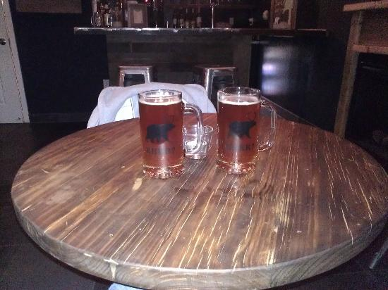 Basecamp South Lake Tahoe: Local brews at Basecamp Bar!