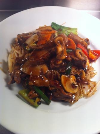 Zen Noodle Bar: sliced duck in black bean sauce