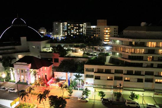 Pullman Cairns International: view from the balcony at night