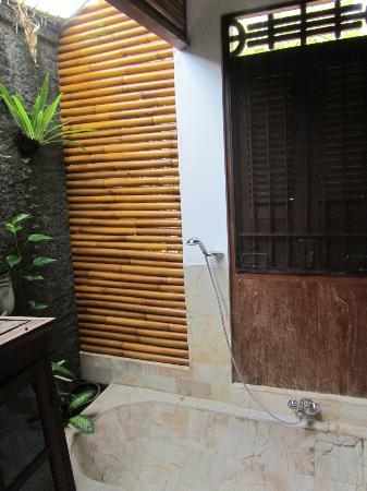 Villa Kampung Kecil: Kampung Kecil - bathroom
