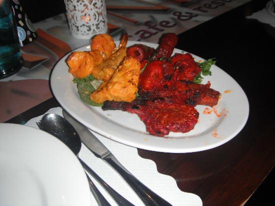 AAJ India Cafe & Restaurant: Sizzler (Mixed Meats) my meal Yummo