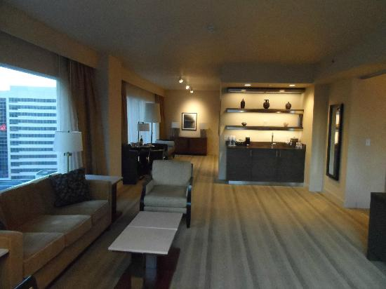 Hyatt At Olive 8: Luxury King Suite - Parlor