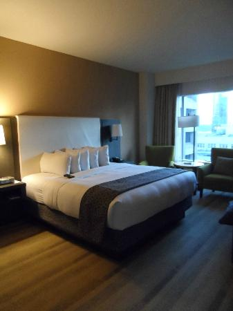Hyatt At Olive 8: Luxury King Suite - Bedroom